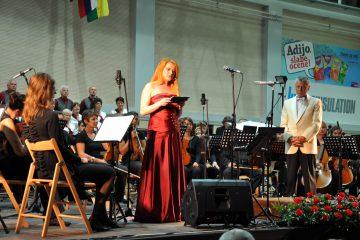 Dobrodelni tradicionalni koncert v Škofji Loki navdušil