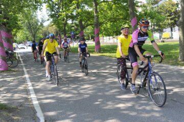 kolesarji v tandemih