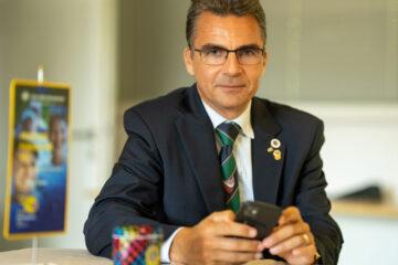 guverner Danilo Tomšič za mizo