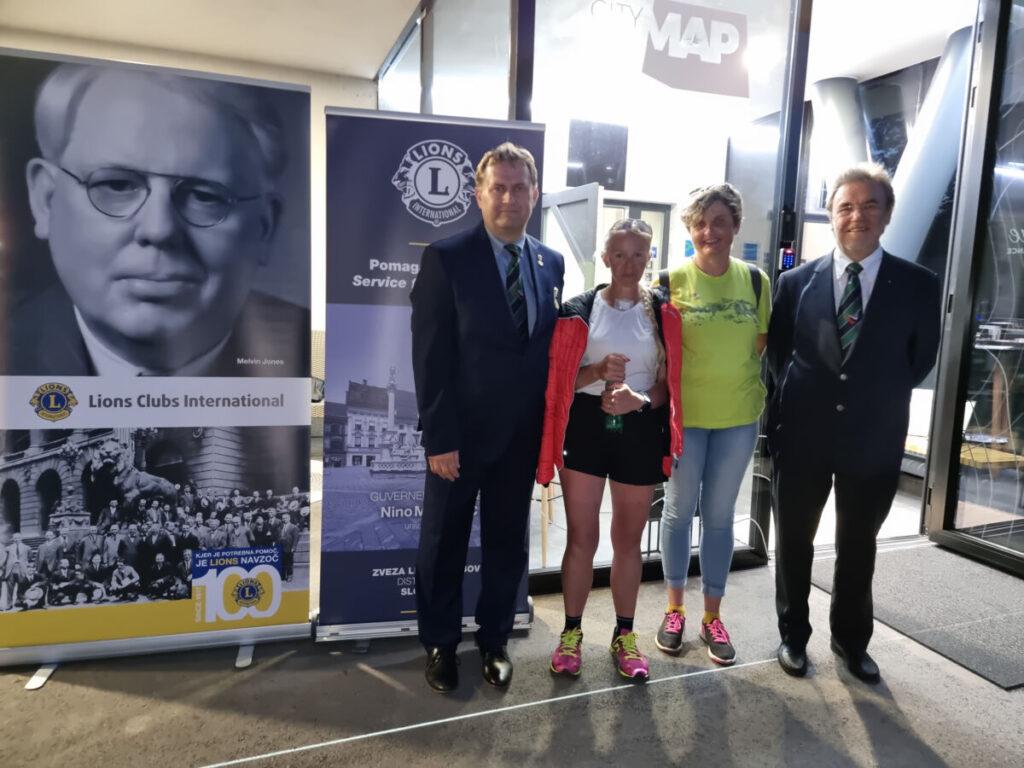 Ultramaratonko Špelo v Mariboru pozdravil guverner Lions Slovenija